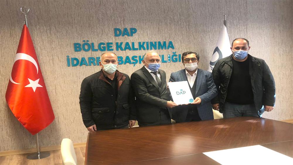 DAP'tan, Çayırlı'ya tarım makinaları desteği