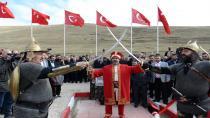 Vali Okay Memiş Çeşme ve anıt açılışı gerçekleştirdi