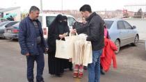 Palandöken Belediyesi, pazarda bez çanta dağıttı