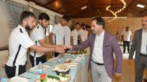 Uçar'dan Yakutiyesporlu futbolculara pirim jesti
