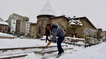 Yakutiye belediyesinde karla mücadele mesaisi