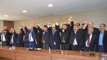 İyi Partili Meclis Üyeleri AK Parti sıralarına katıldı