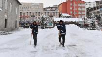Yakutiye Belediyesi Kar Temizliğini Aralıksız Sürdürüyor